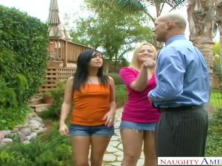 Alexis Texas Roxy Deville Enjoying Threesome
