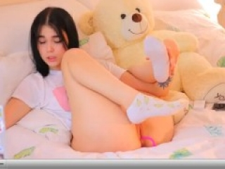 Chat with Baby_Betty in a Live Adult Video